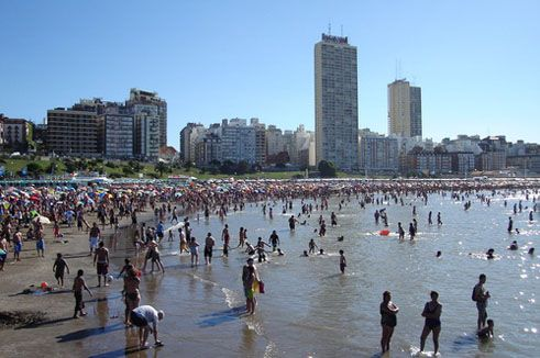 Mar de Plata, where the Congress was held -- a huge beachside city, with over 800 hotels -- is devoted almost exclusively to tourism. Thank heavens that we were there in the off-season!
