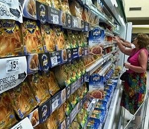 In Argentina's stratified society: Supermarkets for the haves, garbage pails for the have-nots