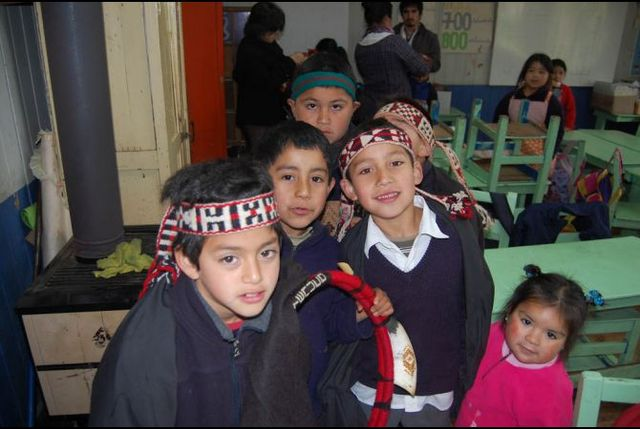 Mapuche children at an assembly concerning indigenous rights